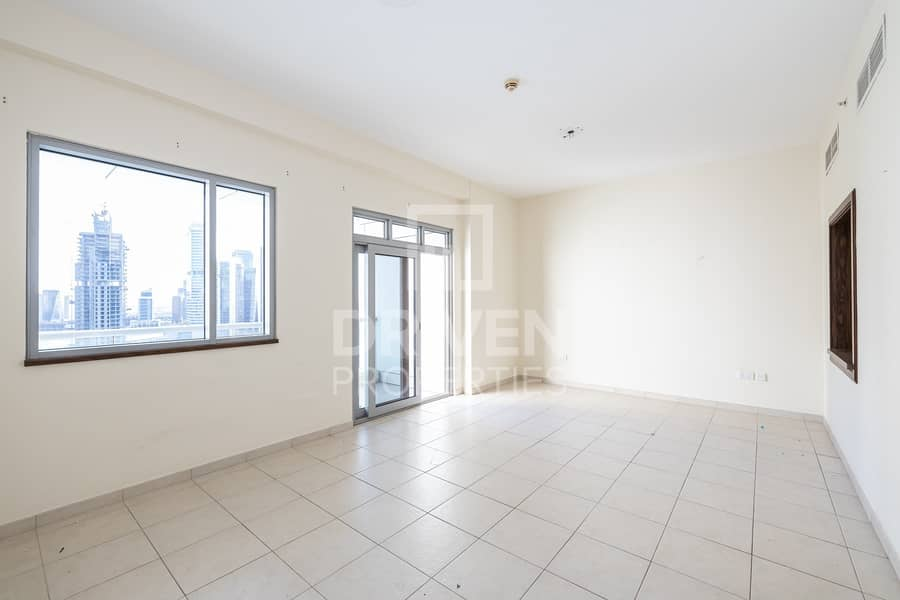 Huge 1BHK Apartment   Well-Maintained