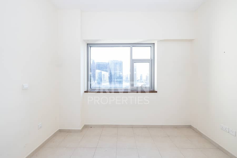 22 Huge 1BHK Apartment   Well-Maintained