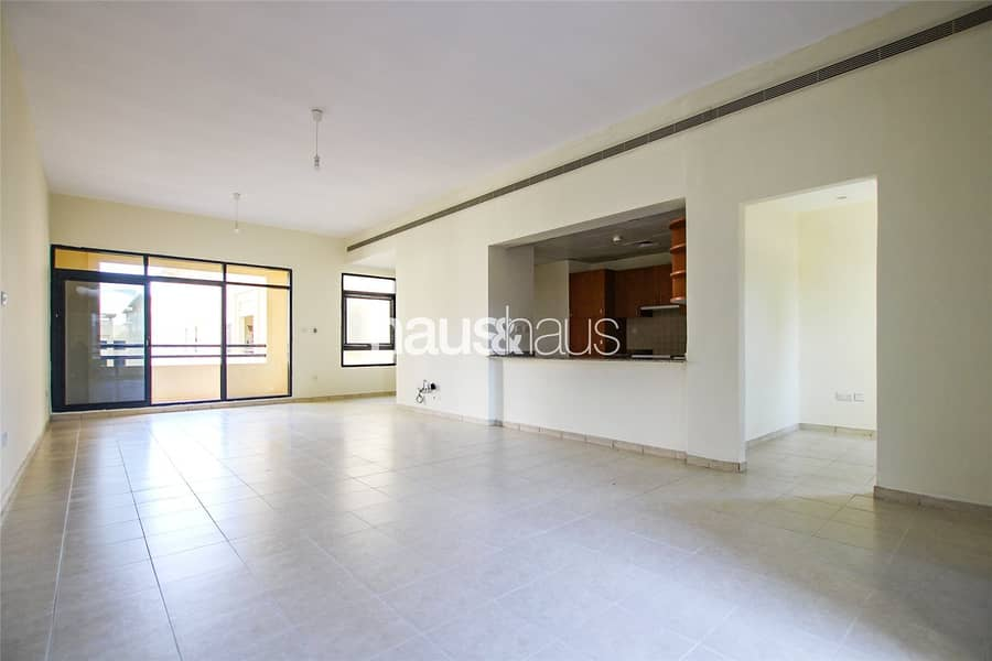 Exclusive | Study | Huge Living Space | 1481 sq.ft