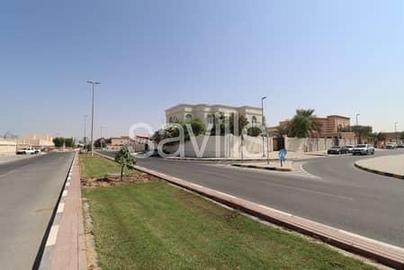 6 Bedroom Villa for Sale in Al Azra, Sharjah - Spacious 6BR corner villa in Azra