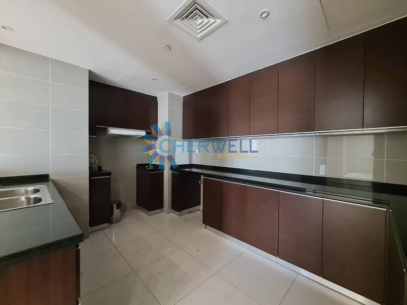 2 Luxurious And Well Maintained Family Apartment | Vacant