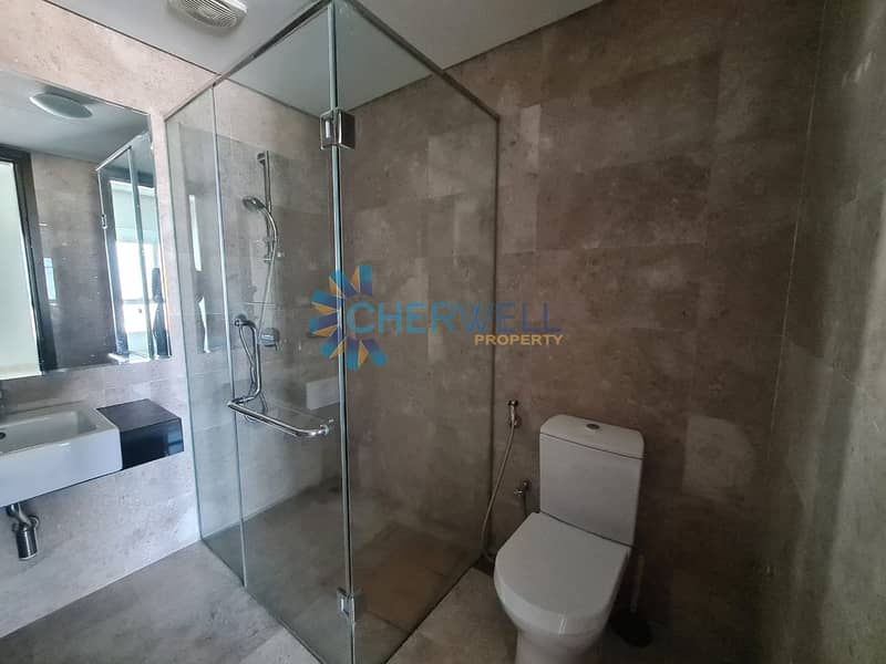 13 Luxurious And Well Maintained Family Apartment | Vacant