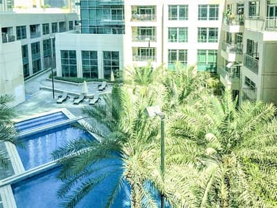 Studio for Rent in Downtown Dubai, Dubai - Burj Khalifa & Pool View | Bright | Chiller Free
