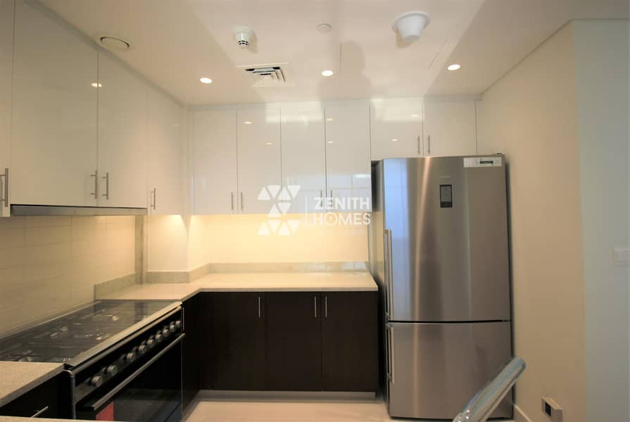 10 HIGH FLOOR | CHILLER FREE | SPACIOUS LAYOUT |