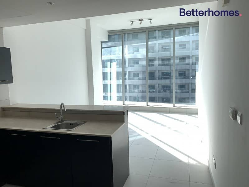 2 Chiller Free 1bed Bright Vacant   Sea View