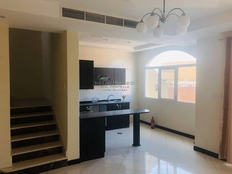 Spacious Townhouse For Sale near Makthoom Airport