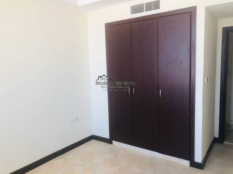 2 Spacious Townhouse For Sale near Makthoom Airport