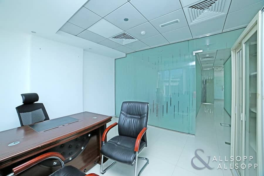 10 Fitted | Floor To Celling Partitions | Bright