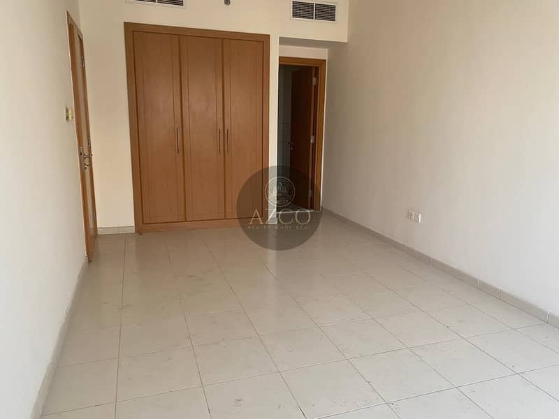 2 LOOK AT SIZE HUGE 2BHK WITH TERRACE ONLY 825/K