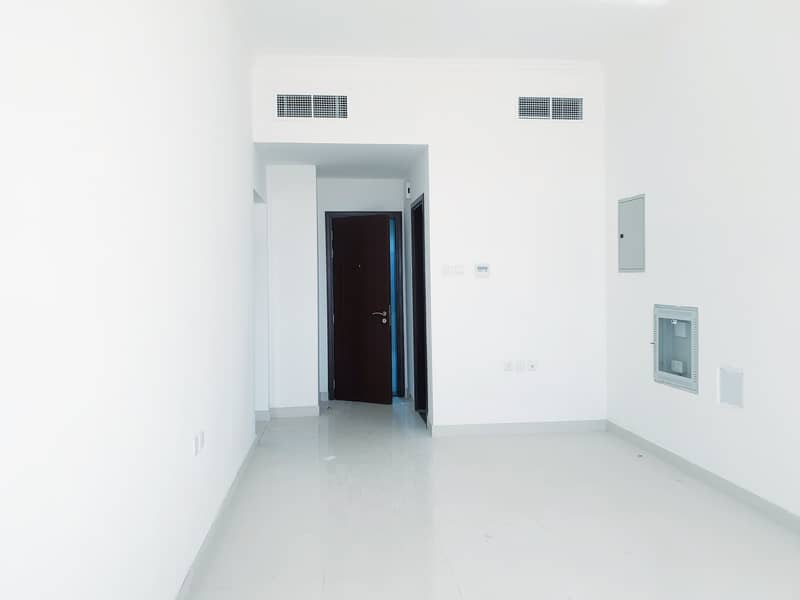 Brand New 1 BHK NO COMMISSION 900 Sq-Ft with 2 Bathroom 19500/- 4 Cheques