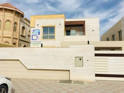5000 sq ft villa, excellent european rent, with air conditioners close to the street