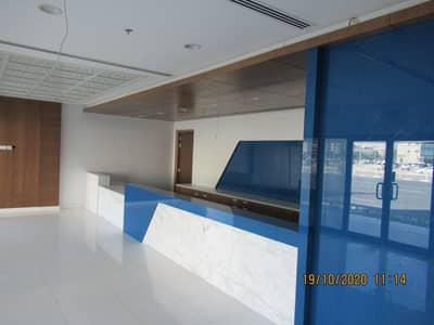 معرض تجاري  للايجار في جميرا، دبي - main reception