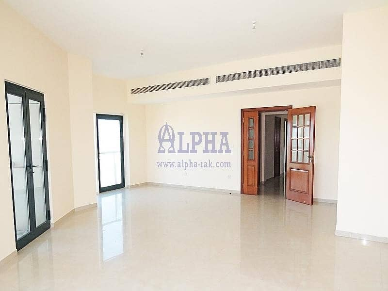 2 Gulf Sea View! Three Bedroom Apartment in Khuzam