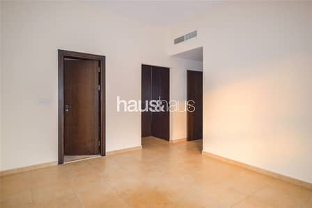 2 Bedroom Apartment for Rent in Remraam, Dubai - 2BR | Vacant | Open Kitchen | Balcony