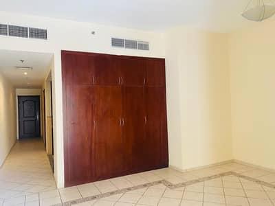 استوديو  للايجار في بر دبي، دبي - شقة في الرفاعة بر دبي 32000 درهم - 4829825