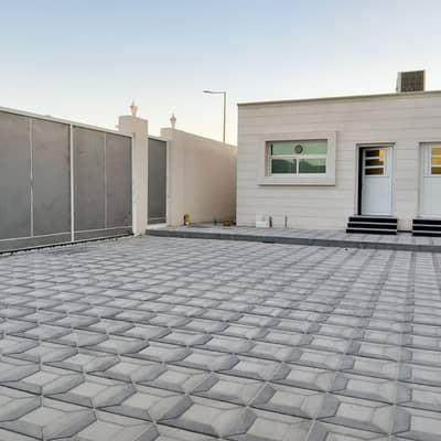 فیلا 4 غرف نوم للايجار في جنوب الشامخة، أبوظبي - فیلا في جنوب الشامخة 4 غرف 130000 درهم - 4830176
