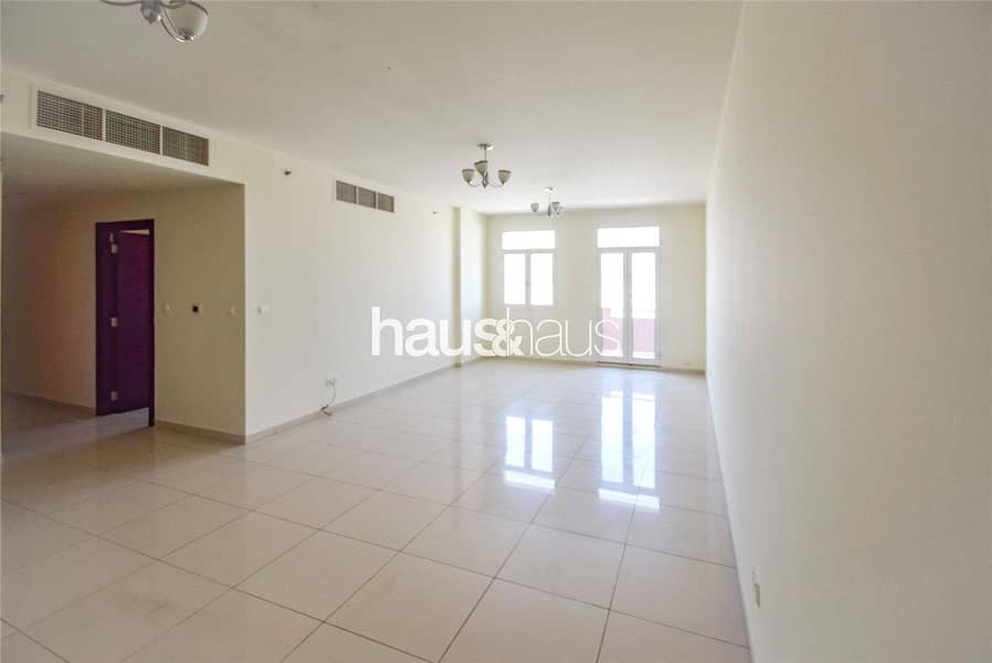 Spacious | 3 BR | Chiller Free | Vacant
