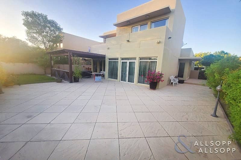 1 Upgraded | Extended | Immaculate | 3 Beds