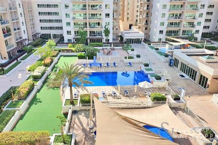 شقة 2 غرفة نوم للايجار في الروضة، دبي - Large Two Bedrooms Plus Study | Pool View