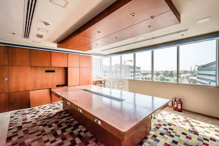 مکتب  للايجار في الميناء، دبي - Low Floor | Fitted office | Chiller Included