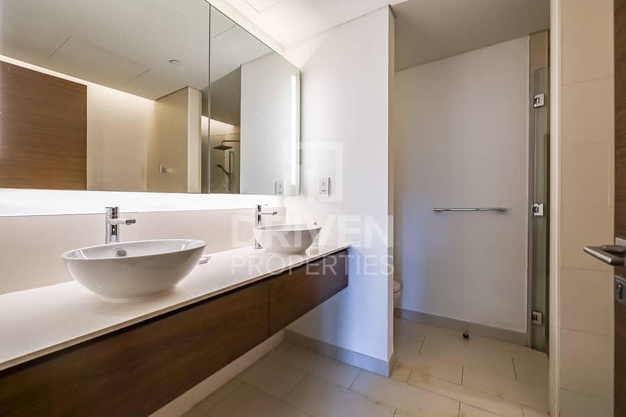21 Spacious and Elegant Apartment | Pool View