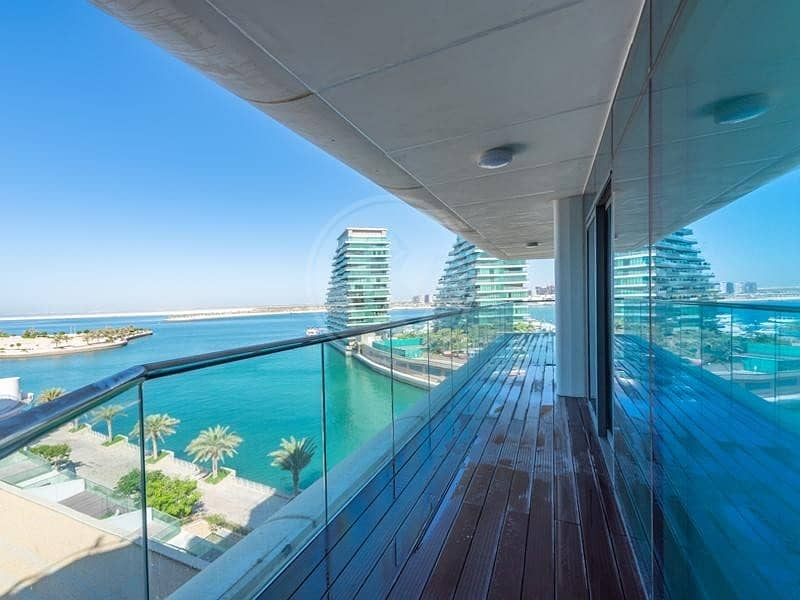 Amazing apartment with full sea views | Must view!