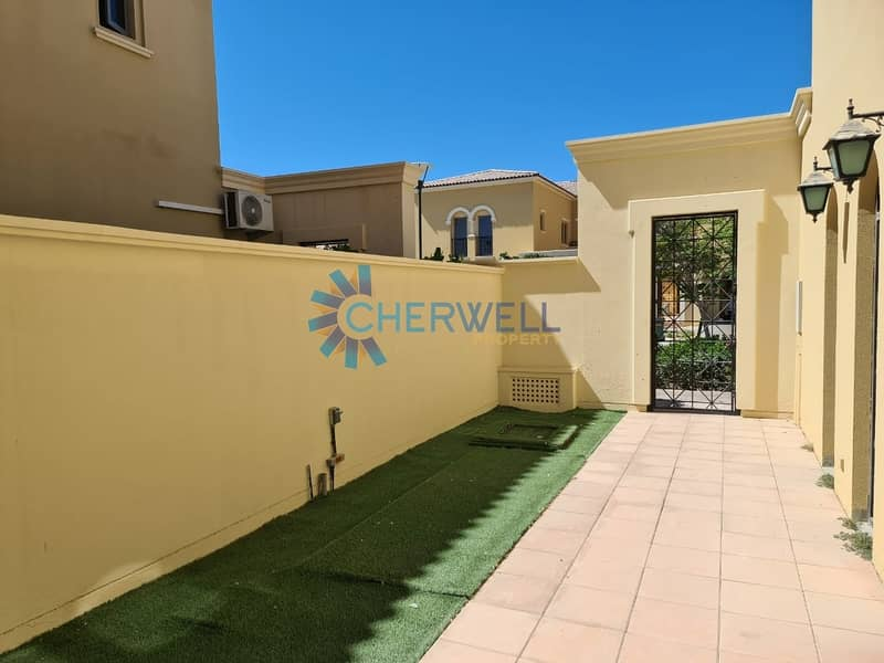 19 Hot Deal   Luxurious 4BRM Townhouse   Vacant