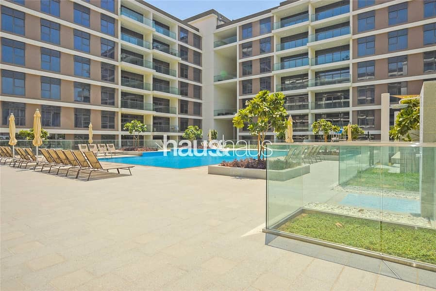10 Genuine Listing | Move in 8th November | Large 1BR