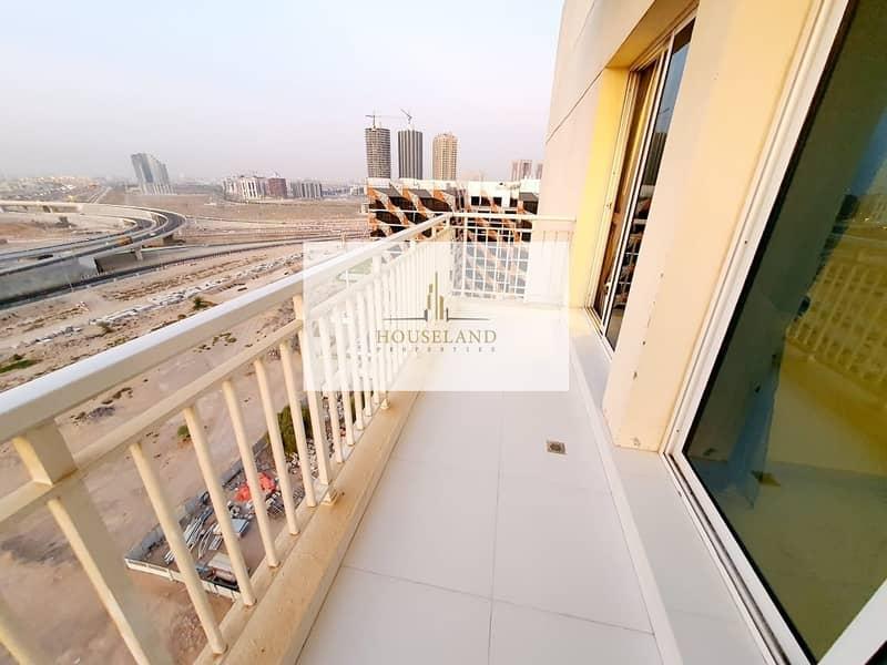 28 5 Star Upgraded   2BR Apartment   Fully Furnished  Mazaya 4