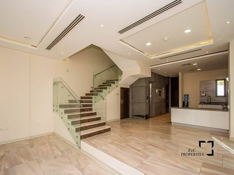 2 Reduce Price Signature | 4+Maid | Private Elevator