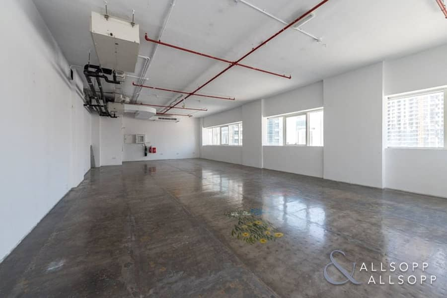 Fitted Office | High Celling | Mid Floor Unit