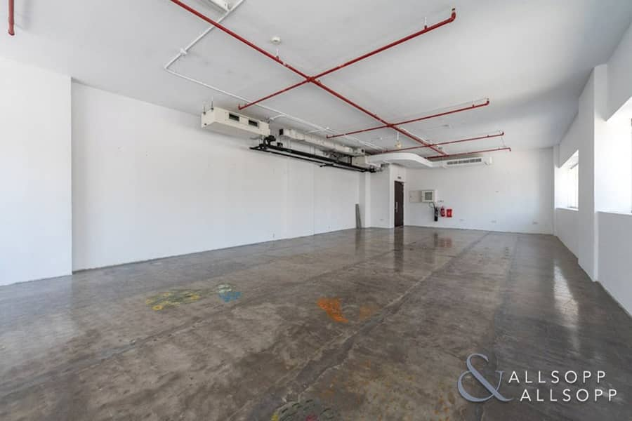 2 Fitted Office | High Celling | Mid Floor Unit