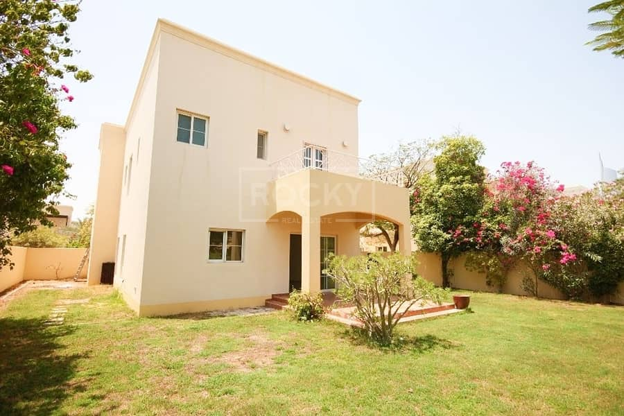 Spacious 3 Bed | plus Maids | Closed Kitchen | Meadows 9