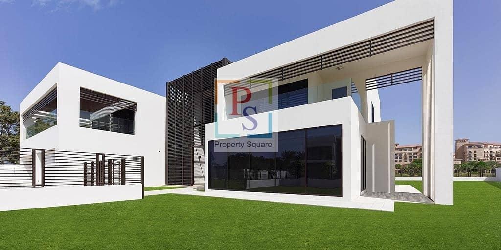 11 Luxurious 4 BR Villa ! Available !