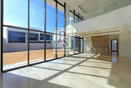Luxurious 4 BR Villa ! Available !