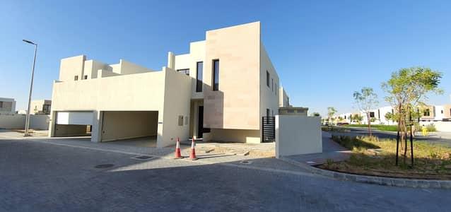 Ready corner 4bedroom+Samah majlis villa for sale price 2.04million, 3140sqft no any service charges