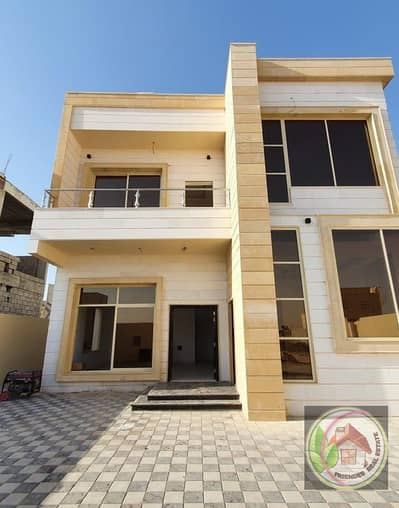 Villa for sale at a very privileged price and installments for 25 years from the owner directly.