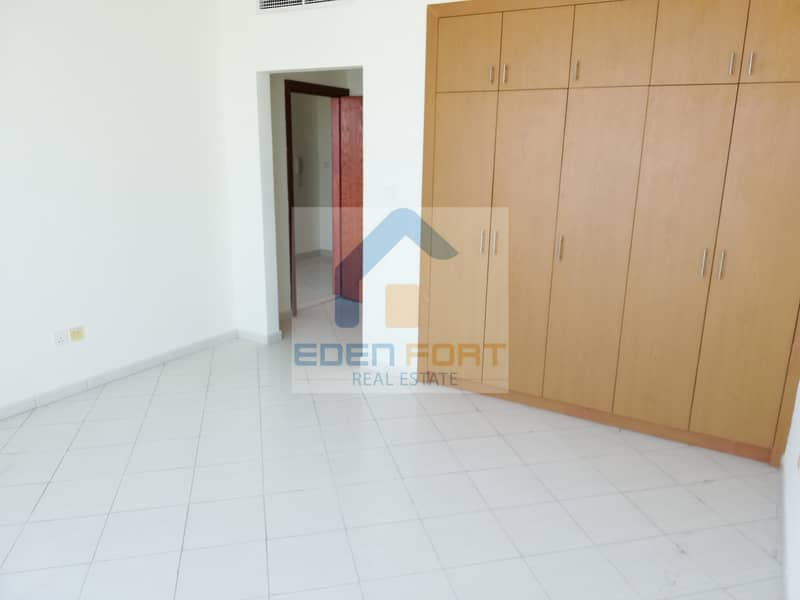 Luxury-1 Bedroom+Store Room-Hub Canal-DSC..