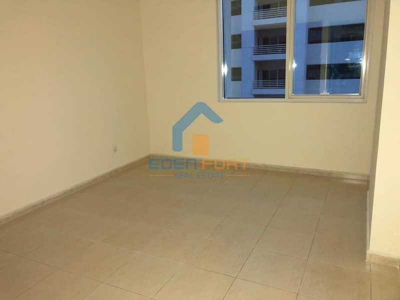 10 Chiller free-2 BHK-Spacious-Olympic Park-DSC