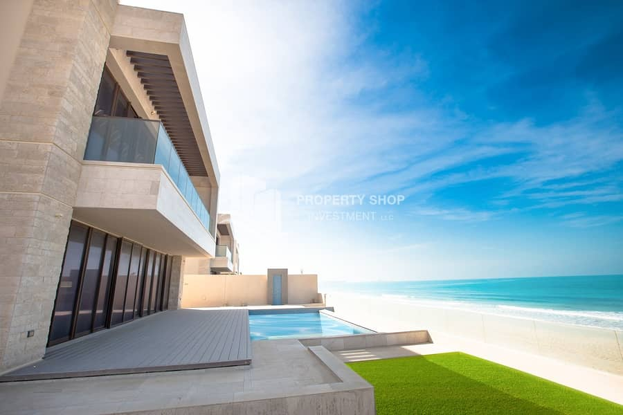 2 Simply Stunning! Luxurious 5+Maid Villa With Tranquil Sea View