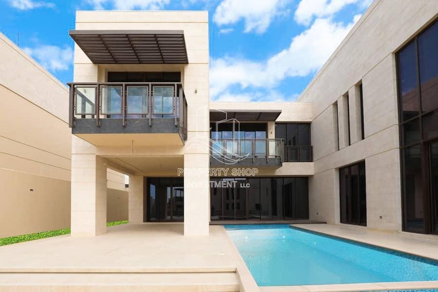 2  boasting luxury villa with Private Pool!