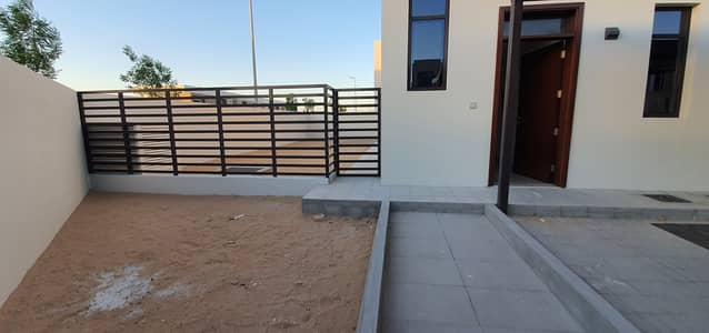 3 Bedroom Townhouse for Rent in Al Tai, Sharjah - Luxury brand new large 3bedroom+maids villa in nasma area rent 75k in 4chqs