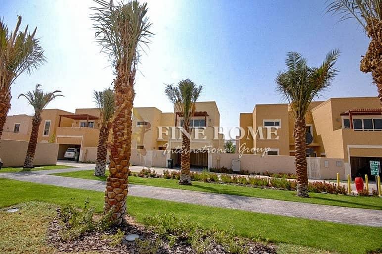 Your Dream Home: Corner 4BR Villa Near the Park