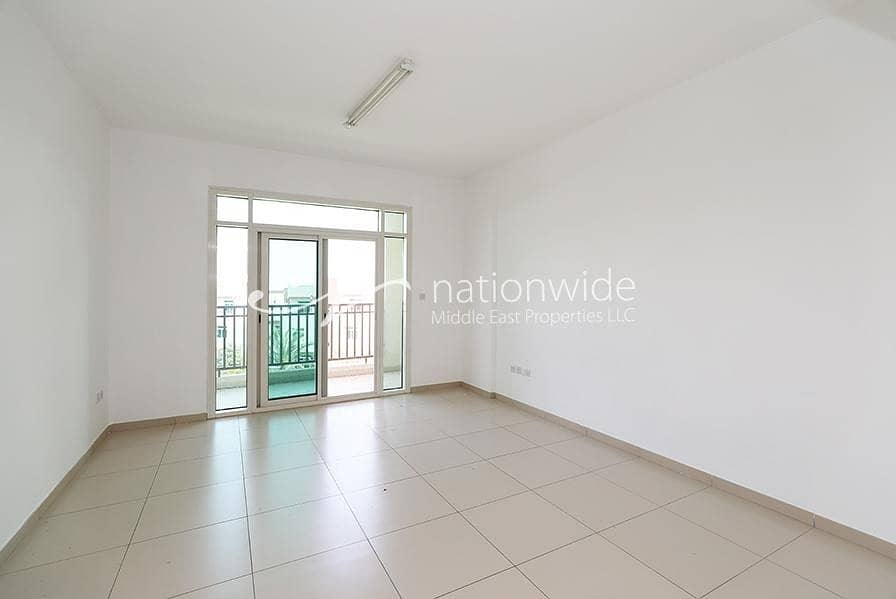 2 A Relaxing Studio Apartment with Balcony
