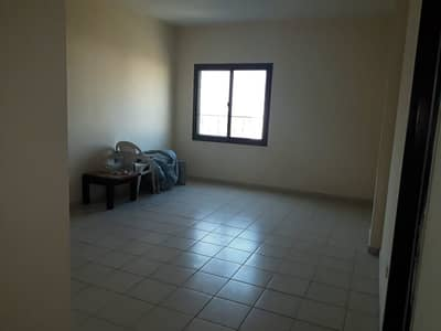 فلیٹ 1 غرفة نوم للبيع في المدينة العالمية، دبي - شقة في الحي اليوناني المدينة العالمية 1 غرف 272000 درهم - 4832495