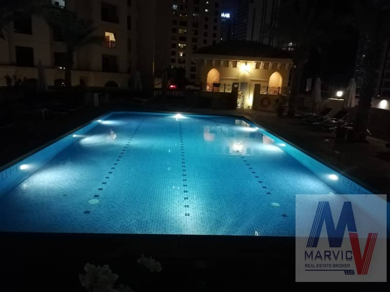 12 Fantastic 2 beds/With Bills/Furnished/Housekeeping