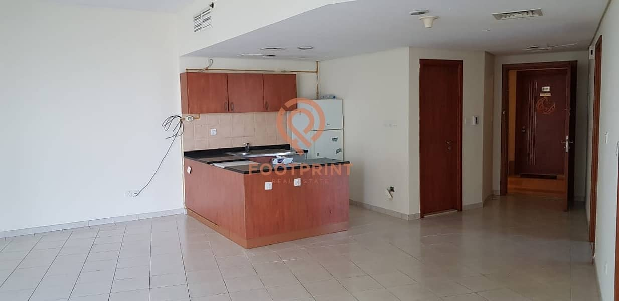 2 Spacious 2BR Hall with Balcony Facing Pool Side