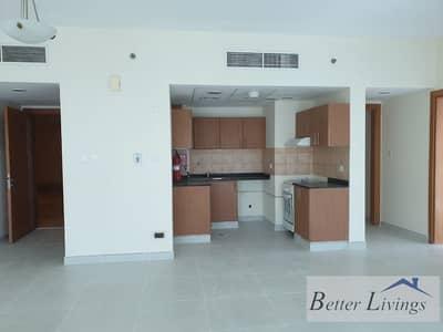 شقة 2 غرفة نوم للايجار في مدينة دبي للإنتاج، دبي - Well Maintained | Spacious | Lake view | With covered parking