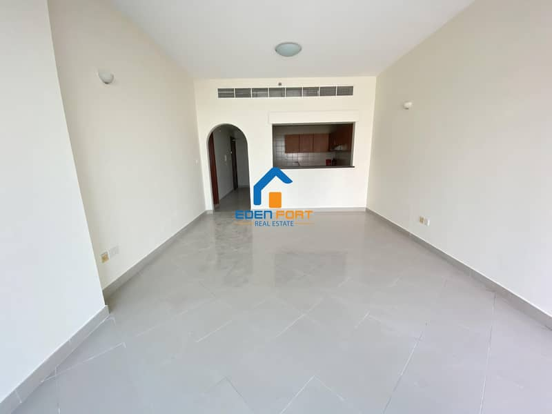 Closed Kitchen Unfurnished One Bedroom Flat
