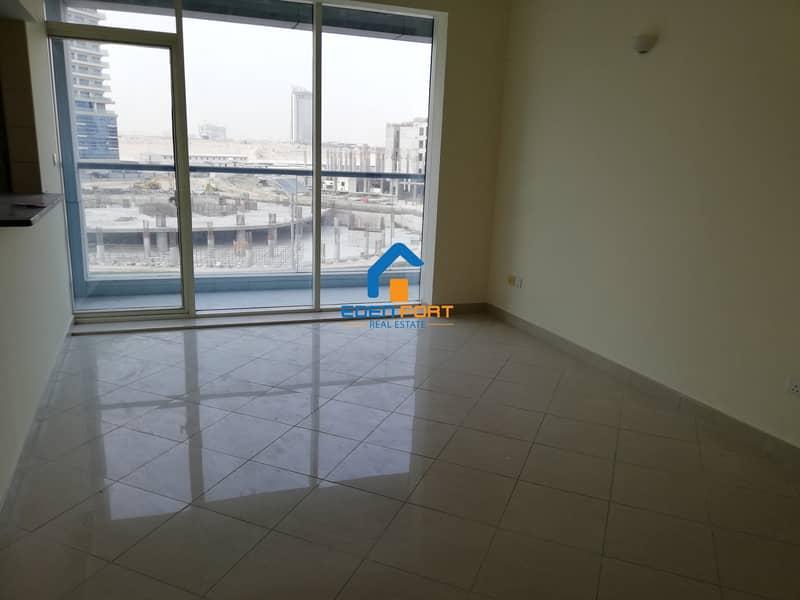 2 Luxury-1 Bedroom+Store Room-Hub Canal-DSC..